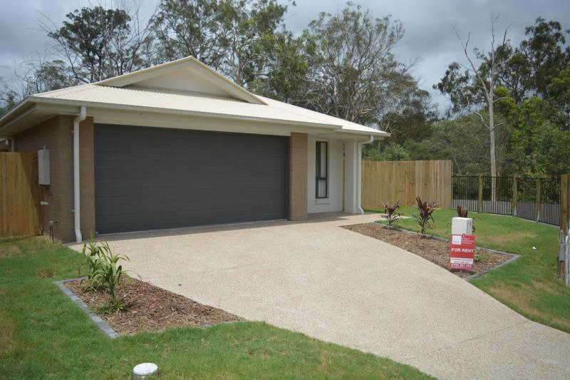 MODERN 4 BEDROOM FAMILY HOME WITH OPEN KITCHEN LIVING THAT OPENS ONTO A GOOD SIZED ALFRESCO DINING AREA. WINDOWS AND DOORS WITH SECURITY SCREENS.
