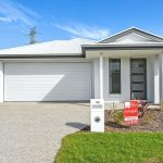 MODERN 4 BEDROOM FAMILY HOME WITH GOOD SIZE OPEN PLAN KITCHEN LIVING AREA. SEPARATE STUDY NOOK